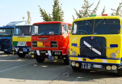 Camion storici sul Sentiero delle Argille